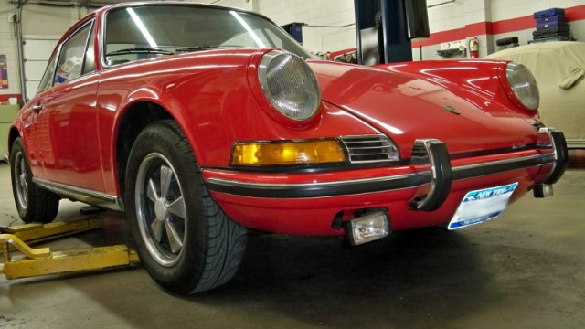 1972 911T Rust Repairs, Brake Upgrade, Engine Build